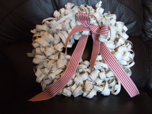 Newspaper curling? Use it to make a wreath!  Image from Karas Crafty Corner.