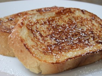 Simple and delicious. French toast needs no frills. Image found on Phillymag.